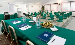 hotel Cattolica sala meeting