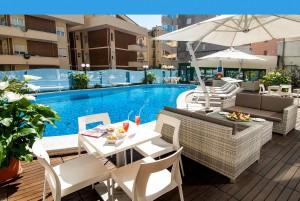 Hotel con piscina Cattolica